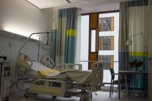 Picture of a hospital room.